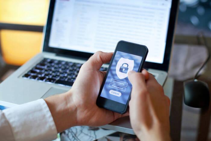 La sécurité des smartphones professionnels : un enjeu clé pour l'entreprise